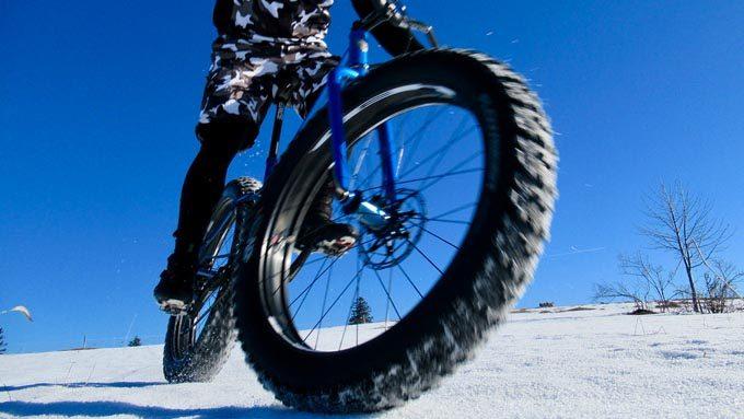 ファットバイクで雪道