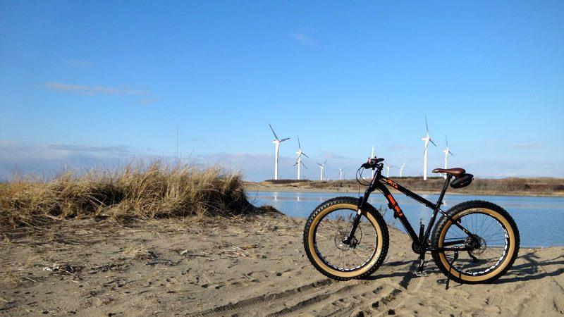『暖冬につきファットバイクで砂浜デビュー』イメージ01