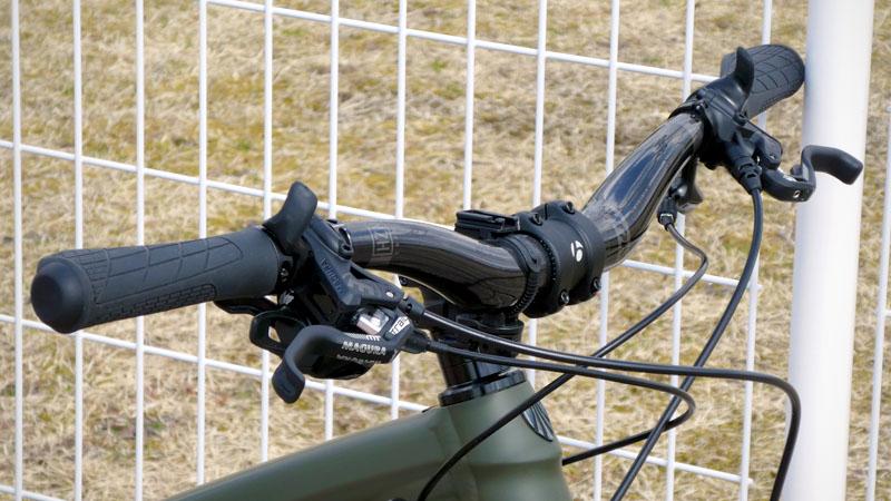 手・腕・肩の痛み対策でライザーバーハンドルに交換イメージ03