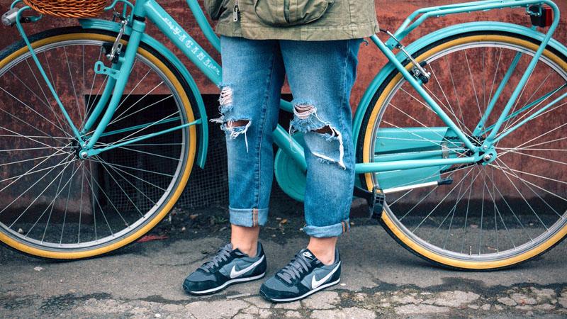 『自転車向きなオススメジーンズ』イメージ01
