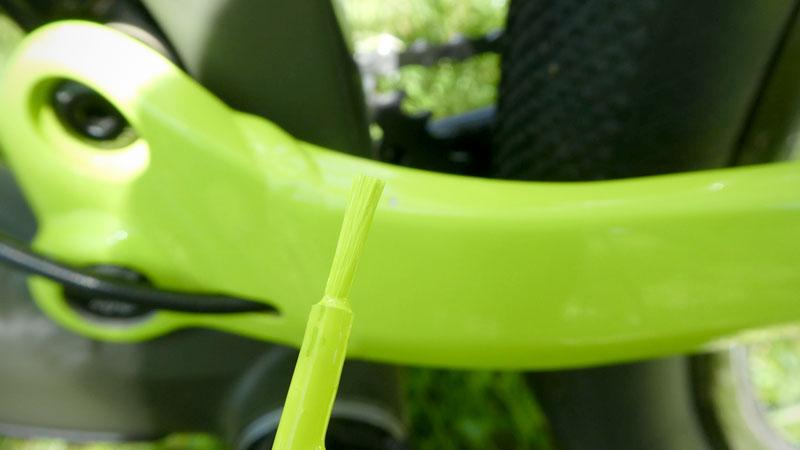 期待のカラー番号付き!自転車専用『タッチアップペン』を試すイメージ07